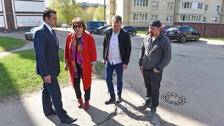 «Дороги сделаны качественно»: в Ярославле общественники и блогеры «спелись» с чиновниками