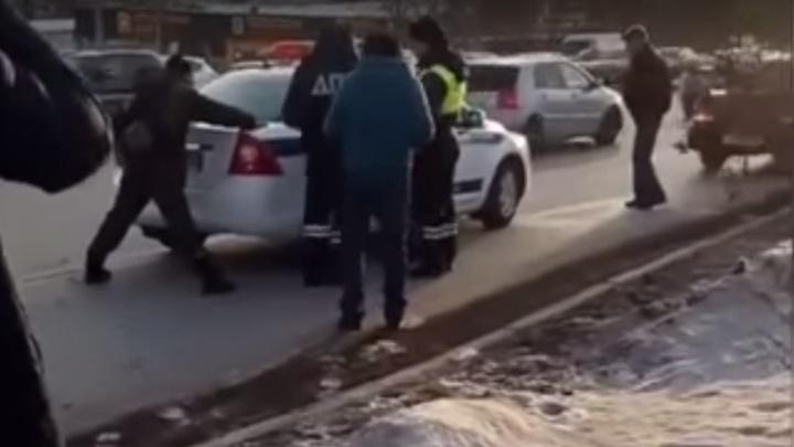 В Тюмени стрелявший в маршрутку с пассажирами отделался штрафом
