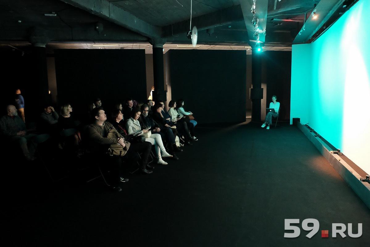 Ксения Ланикина воссоздает «световые слепки» заводских цехов