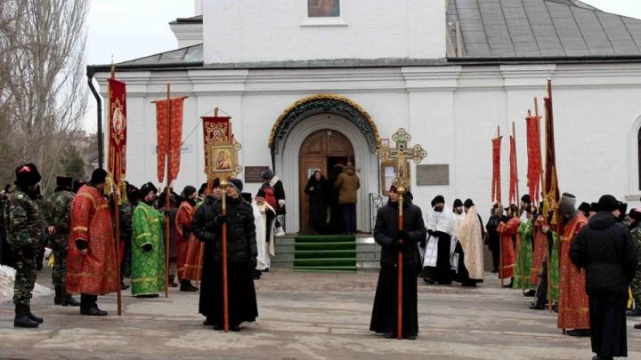 Волгоградские священники и 500 полицейских пройдут по городу семью крестными ходами