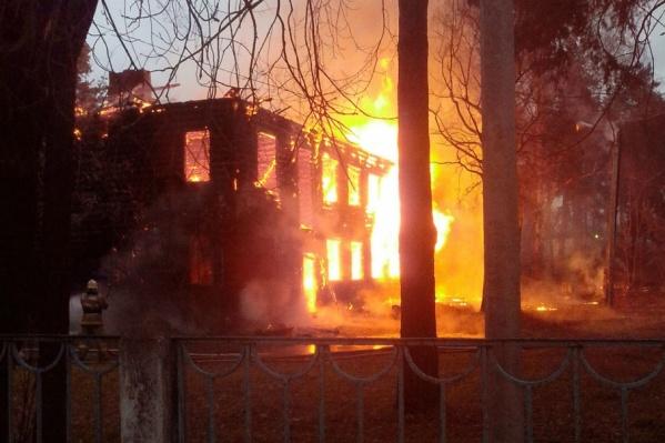 Пожары полыхнули один за другим на Клубной и Кавказской