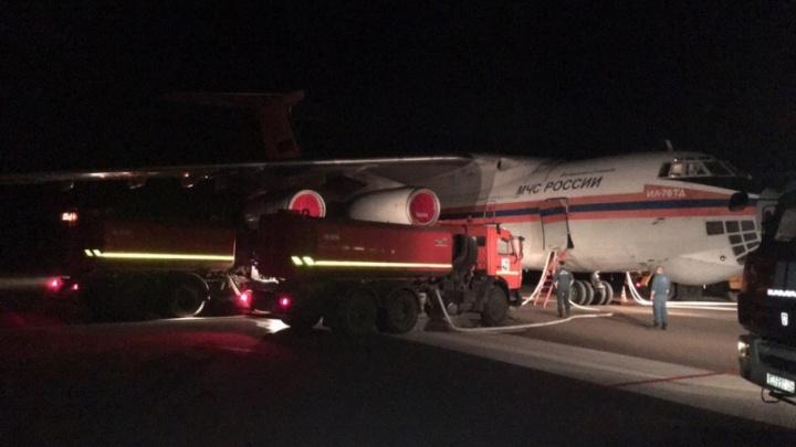 Ил-76 тушит пожар в станице Сиротинской Иловлинского района