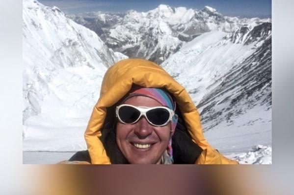 Такие виды открываются на высоте  8848 метров над уровнем моря