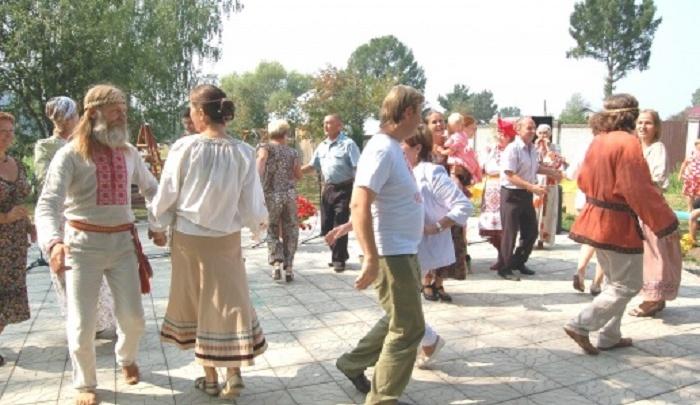 Праздник многообразия культур: в Райском саду Перми пройдет фестиваль «Уральская мозаика»