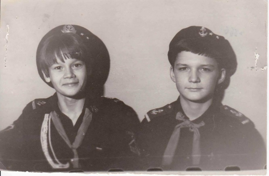 "Александр (справа) был участником отряда ""Каравелла""."
