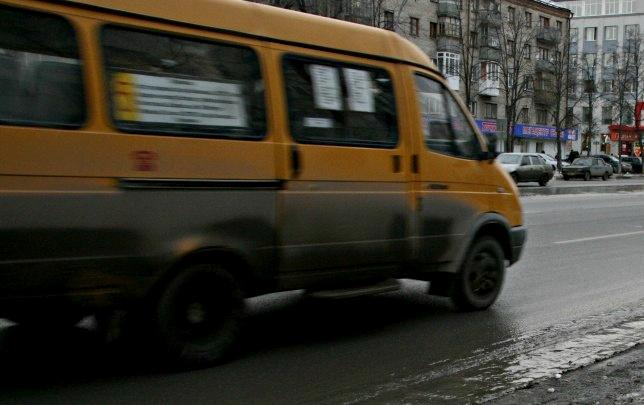 Междугородний автобус Тюмень — Тобольск застрял на трассе из-за проблем с бензином