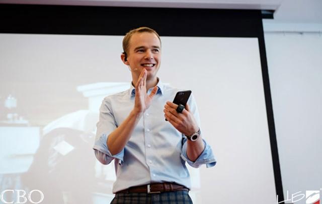 Как дожать клиента и продавать день в день: реалити-тренинг от Владимира Якубы