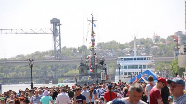 Зрелище не впечатлило: ростовчане раскритиковали парад  в честь столетия ЮВО