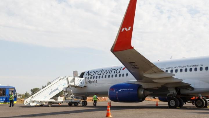 Из волгоградского аэропорта из-за бури не могут вылететь три самолета