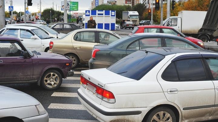 С тюменских водителей соберут 265 миллионов рублей после отмены налоговых льгот на транспорт