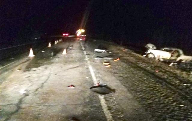 Водитель «семерки», который врезался в грузовик на тюменской трассе, впал в кому