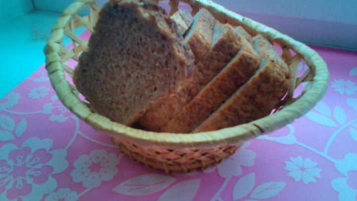 В Самарской области сняли с продажи 367 кг просроченных булок и хлеба