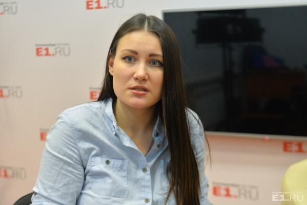 Алиса Дутова через год после перестрелки на Депутатской продолжает добиваться справедливости.