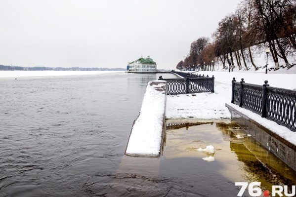 Уровень воды в Волге в выходные понизится, а в начале недели она снова может выйти из берегов