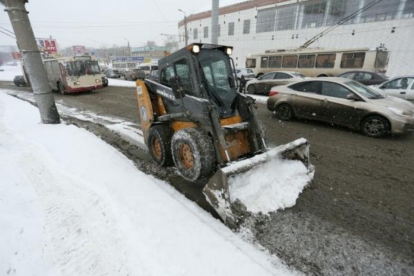 За сутки из города вывезли 1600 тонн снега