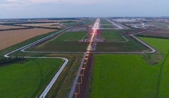 В аэропорту Платов подключили световые сигналы на взлетно-посадочной полосе