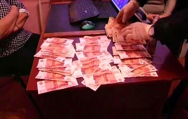 В Самаре адвокат вымогала крупную сумму за смягчение наказания сыну своей клиентки