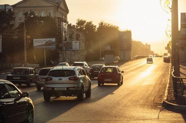 С приходом осени 23% самарцев уже мерзнут по утрам в ожидании транспорта, а 15% стали чаще опаздывать на работу