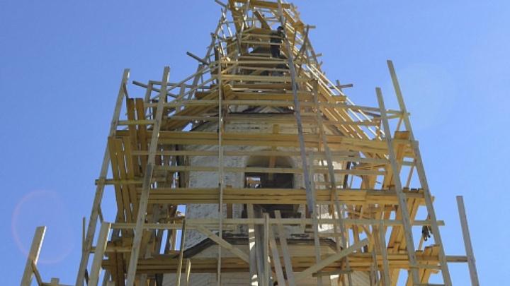 В Каргопольском районе волонтеры из Санкт-Петербурга восстановят старинный храм