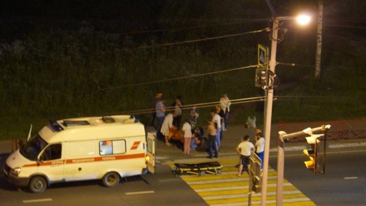 В Ярославле водитель сбил девушку и умчался, бросив её лежать на земле