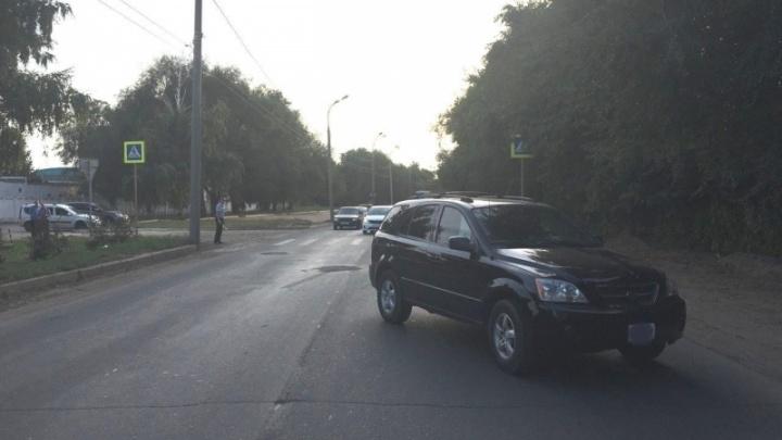 В Самаре водитель KIA сбил двух пешеходов на зебре
