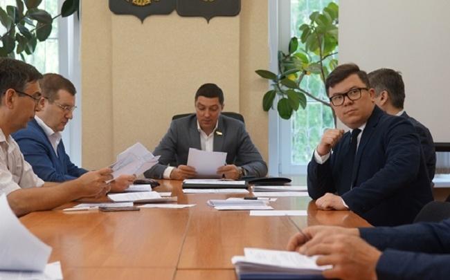 В Ярославской области нашли способ сэкономить миллионы на чиновниках