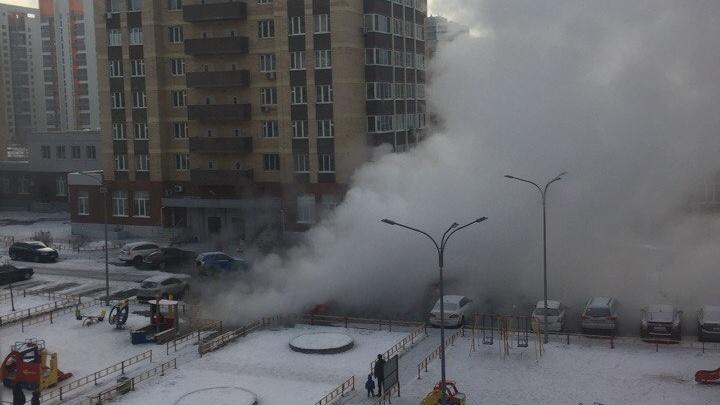 10 многоэтажек в Зареке остались без отопления из-за порыва