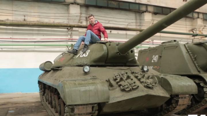 Путешествие в Танкоград: смотрим видеорепортаж о производстве техники Победы на ЧТЗ