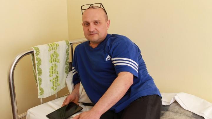 «Болит так, что глаза выдавливает»: южноуральцу удалили опухоль мозга через нос