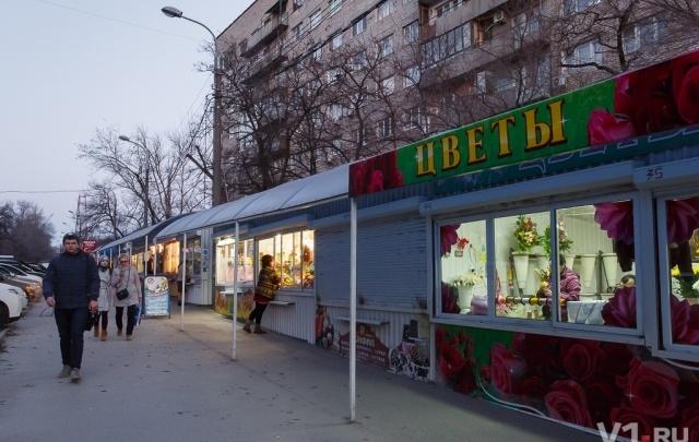 Остающиеся без мест киоскеры Волгограда собираются ехать к Путину