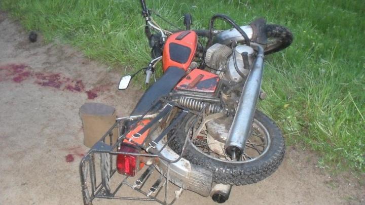 В Виноградовском районе мотоцикл столкнулся с УАЗом