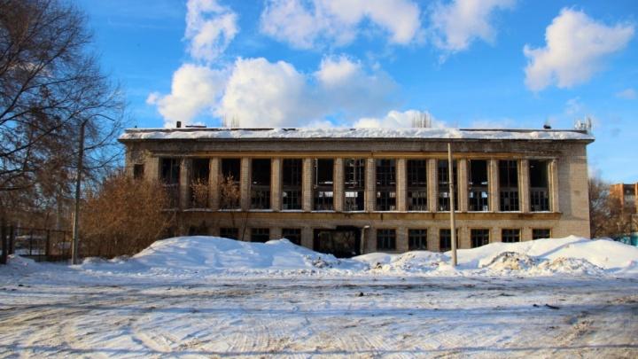 Областные власти определились с судьбой заброшенного стадиона «Восход»