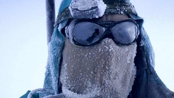 Снежная слепота и сбивающий ветер: волгоградский альпинист одолел непокорный Эльбрус