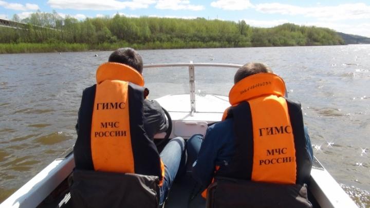 На Рыбинском водохранилище с острова спасли двух ярославских рыбаков