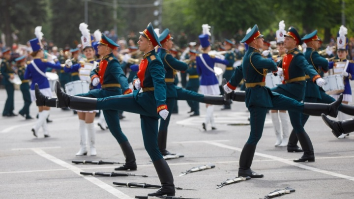 Участником волгоградского парада Победы стал внук легендарного Мелитона Кантарии
