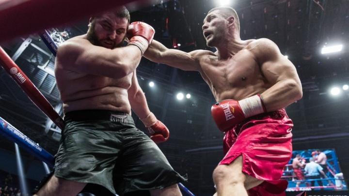 Волгоградский боксер одолел двухметрового гиганта из Грузии