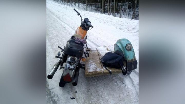 В Прикамье пьяный байкер без прав врезался в автобус