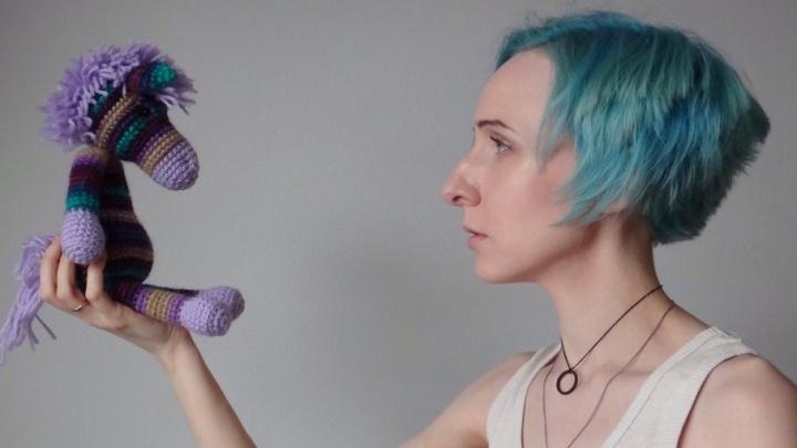 «Это как любовь»: игрушки педагога из Архангельска путешествуют по всему миру