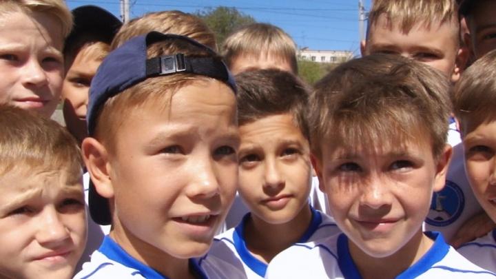 Волгоградский футбол стимулируют гаджетами: «МегаФон» наградил очередного юного игрока школы ЦСКА
