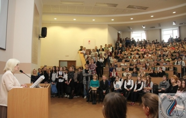 СГМУ приглашает школьников на день открытых дверей