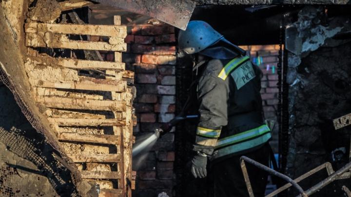 В Ростовской области дотла сгорел частный дом, есть погибшие