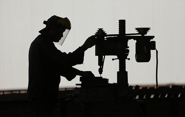 Массовые сокращения: кто из южноуральцев потеряет работу в ближайшее время