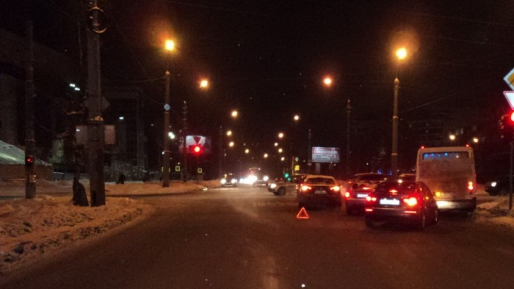 В Соломбале на перекрестке столкнулись две иномарки