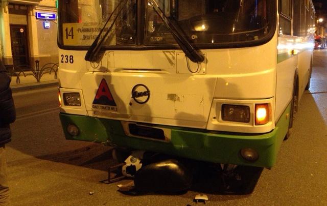 Родственники скутериста, столкнувшегося с автобусом, ищут свидетелей ДТП