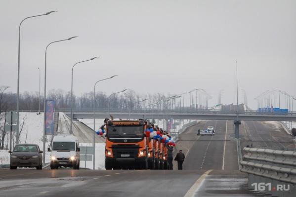 Подъезды к Платову расширят в два раза