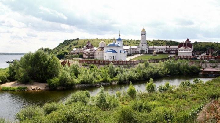 В Волжский Афон: между Самарой и Винновкой запустили речное сообщение