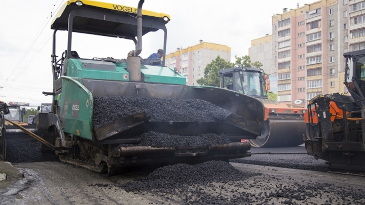 Успеть до снега: дорожники завершат ремонт крупных магистралей Челябинска до 25 октября