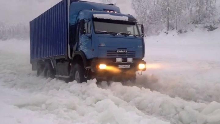 Сезон доставки грузов в Нарьян-Мар подошел к концу: остался последний месяц