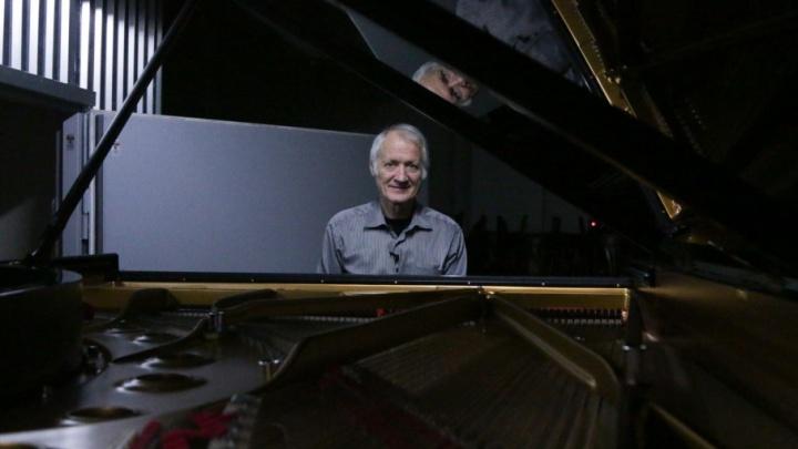 В драмтеатре подготовили к концертам рояль за десять миллионов рублей