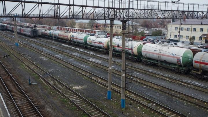 В Омутинском поезд переехал мужчину, решившего прогуляться по ж/д путям